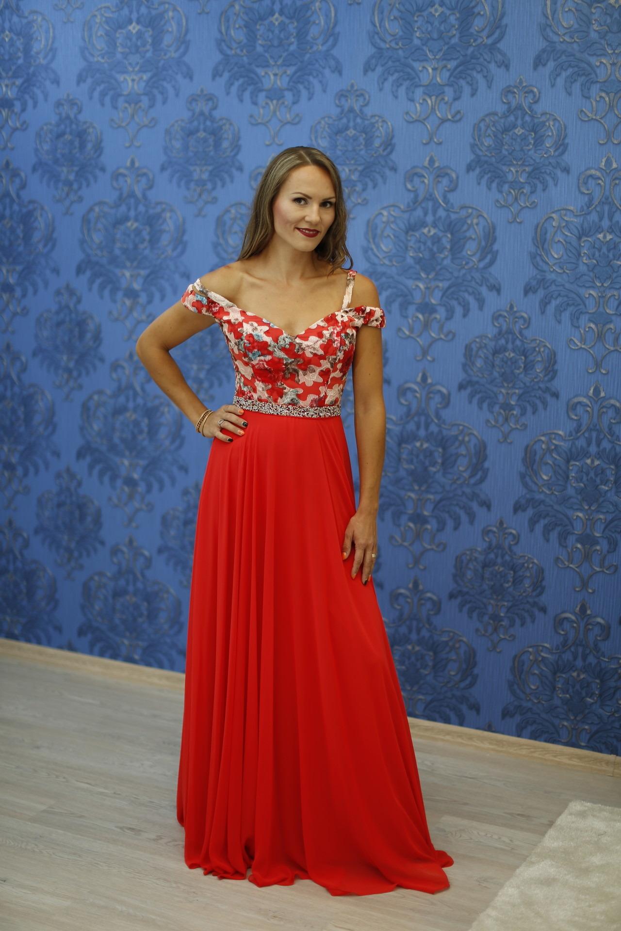 689f062c864e Exkluzívny svadobný salón - spoločenské šaty V0032