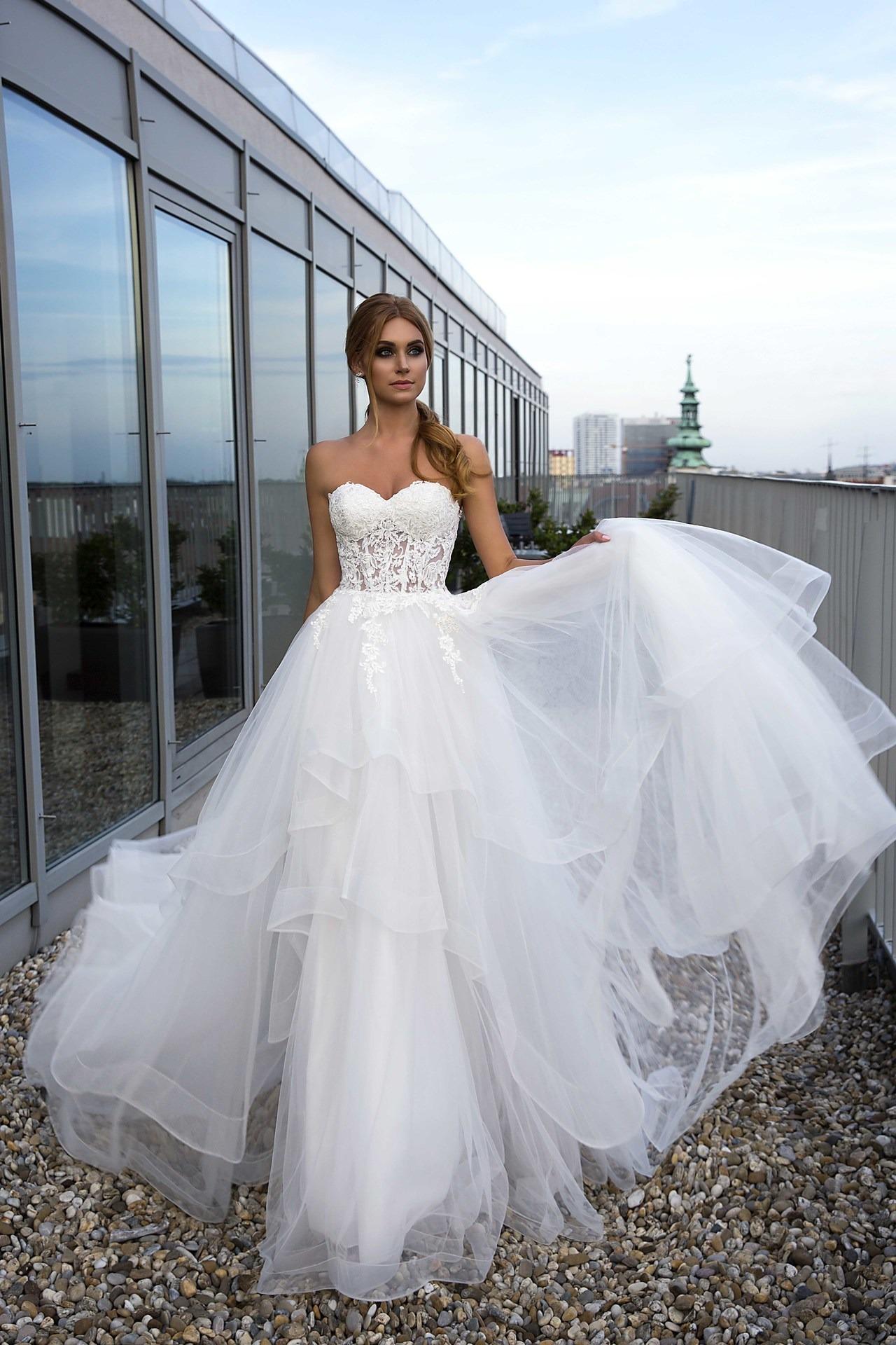 12a95a1d9327 Exkluzívny svadobný salón - svadobné šaty Olena