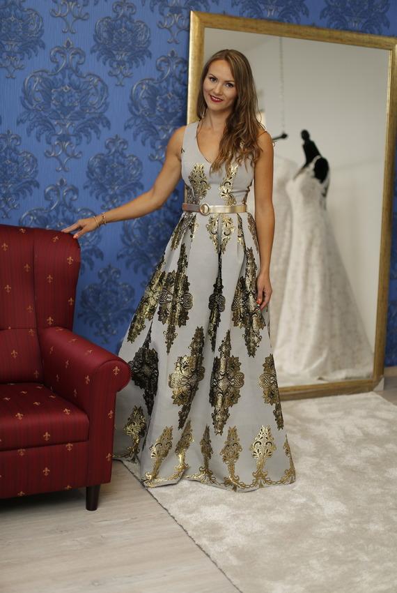 Exkluzívny svadobný salón - dlhé šaty 98ef5aef69e