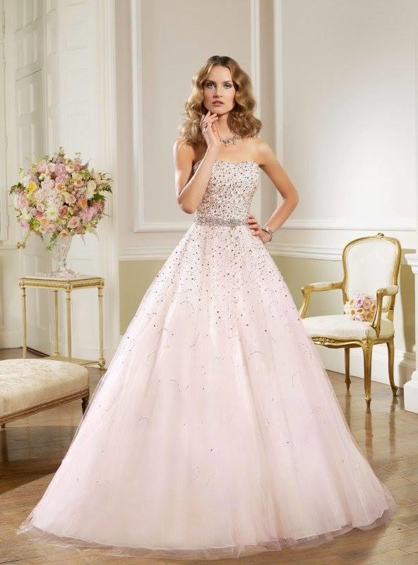 b355675319dd Exkluzívny svadobný salón - svadobné šaty Diana