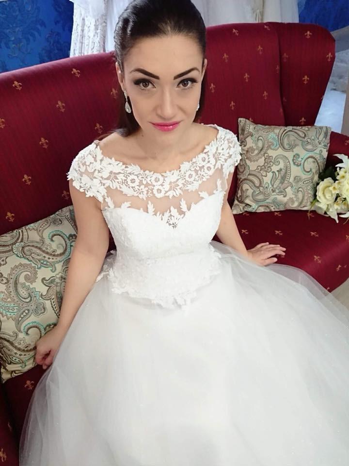 Exkluzívny svadobný salón - svadobné šaty Katren a43118f2891