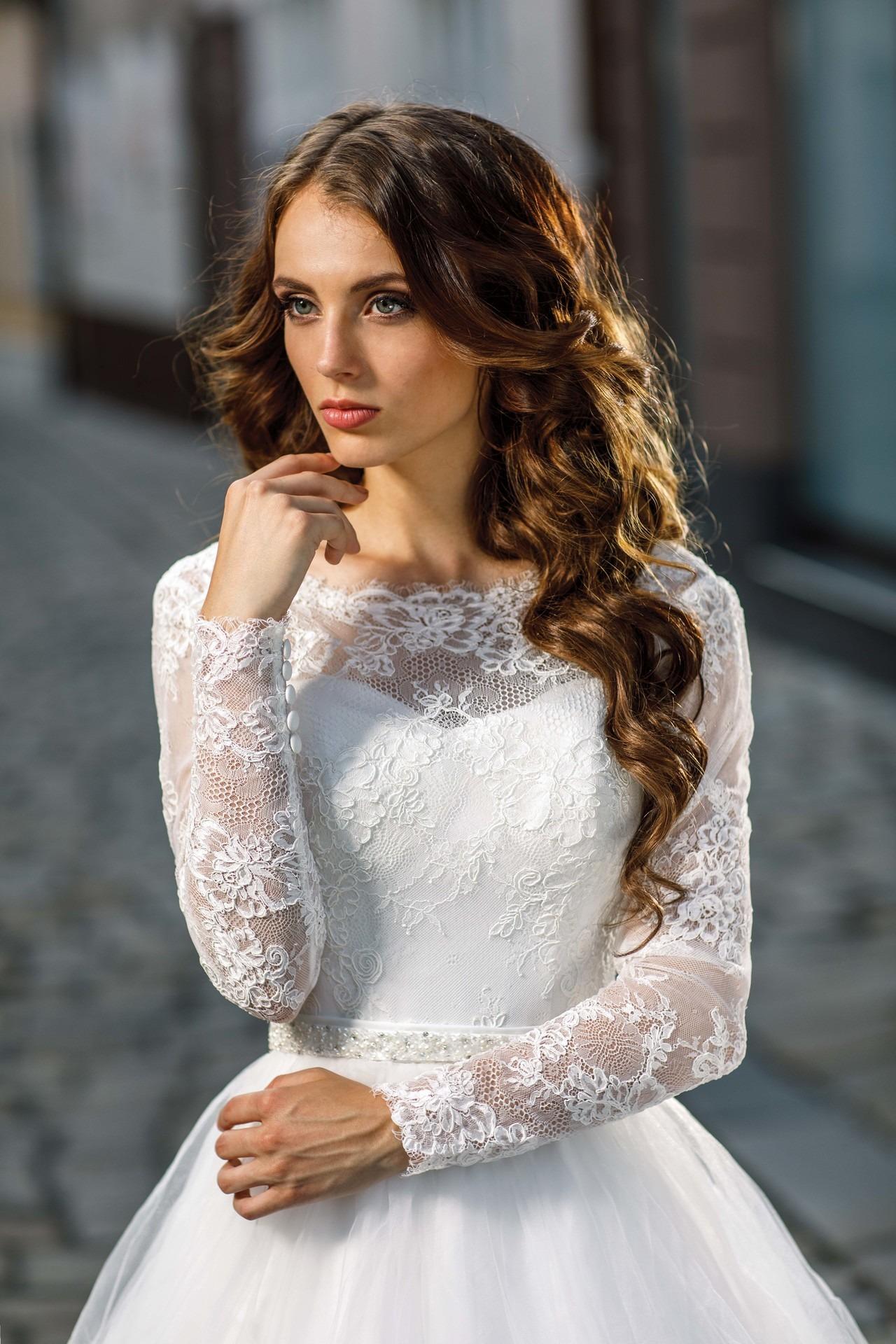ab8d5cf09dc5 Exkluzívny svadobný salón - svadobné šaty Rozali