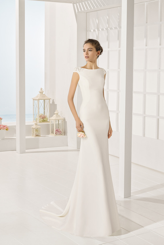 d1c6cc287c2e Exkluzívny svadobný salón - dlhé šaty